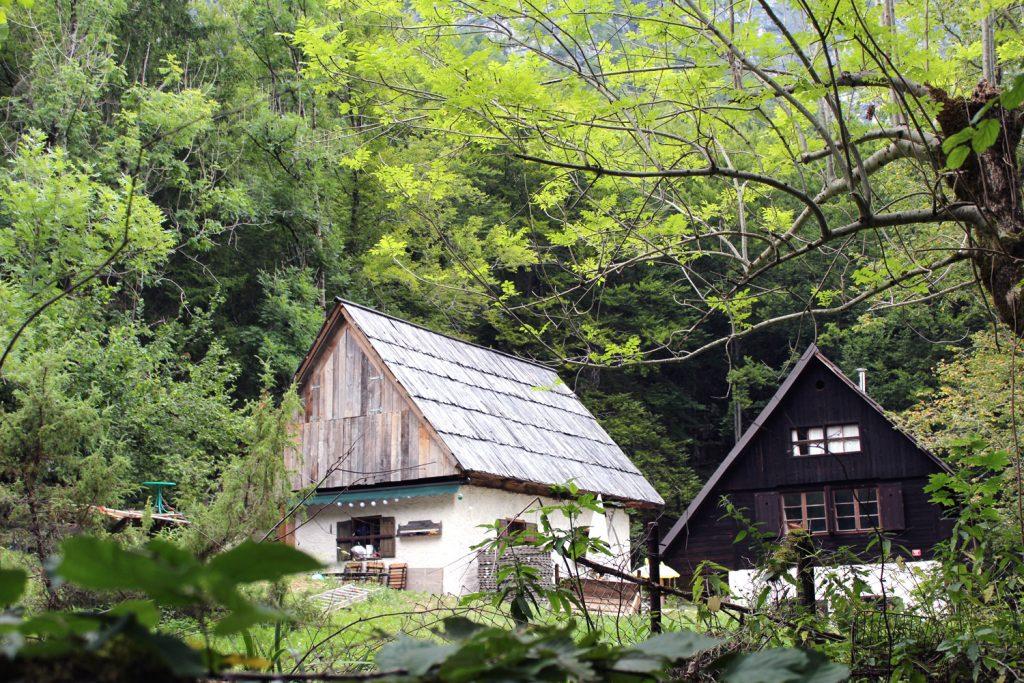 izlet v bohinj obrežje bohinjsko jezero hiša vikend