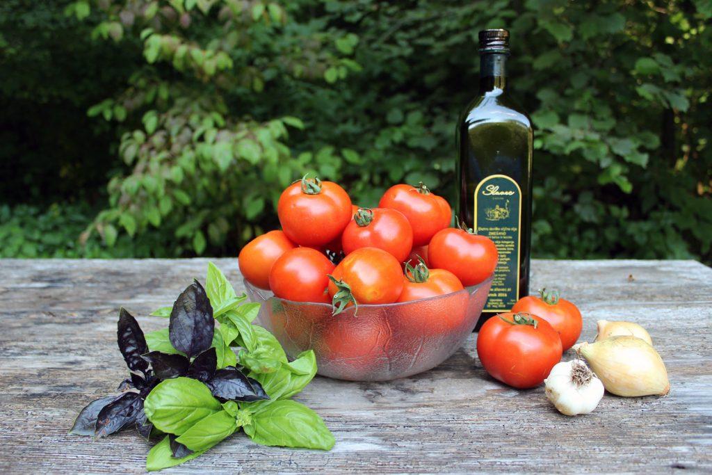 domača paradižnikova mezga kako narediti paradižnikovo omako najboljše hladno stiskano olivno olje