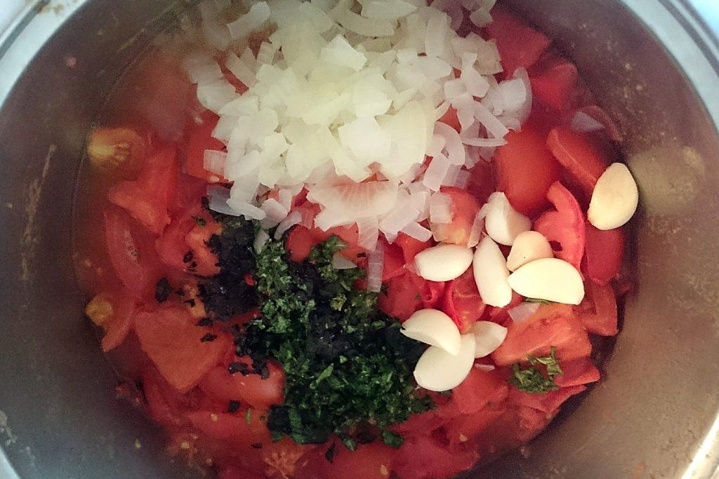 domača paradižnikova mezga recept za paradižnikovo omako