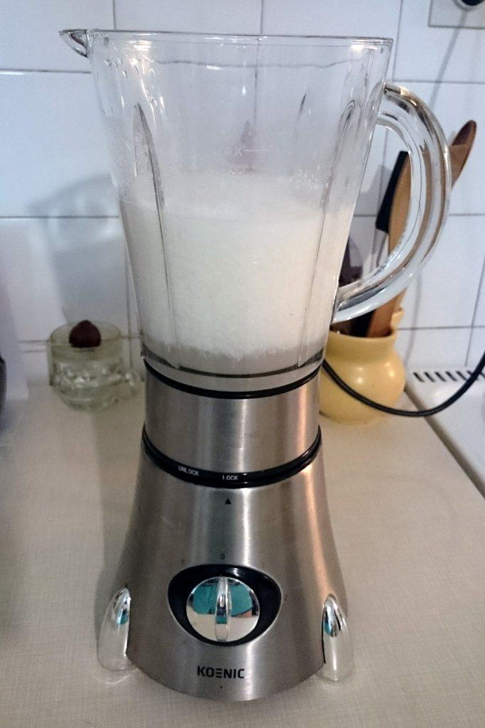 kako narediti kokosovo mleko doma