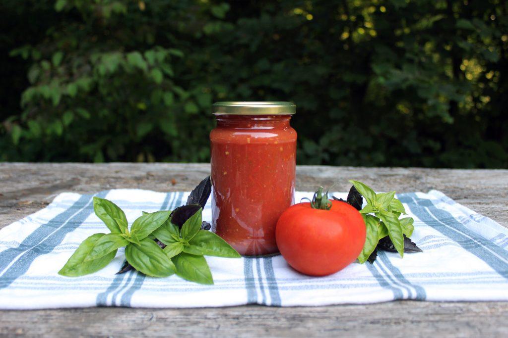 domača paradižnikova mezga recept kako skuhati paradižnikovo omako