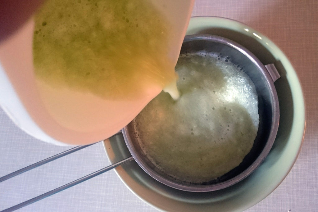 kumarična voda recept domače kumare uporaba kokosova alternativa