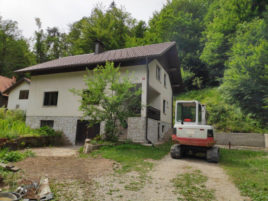 bager izkop hiše hidroizolacija drenaža prenova hiše