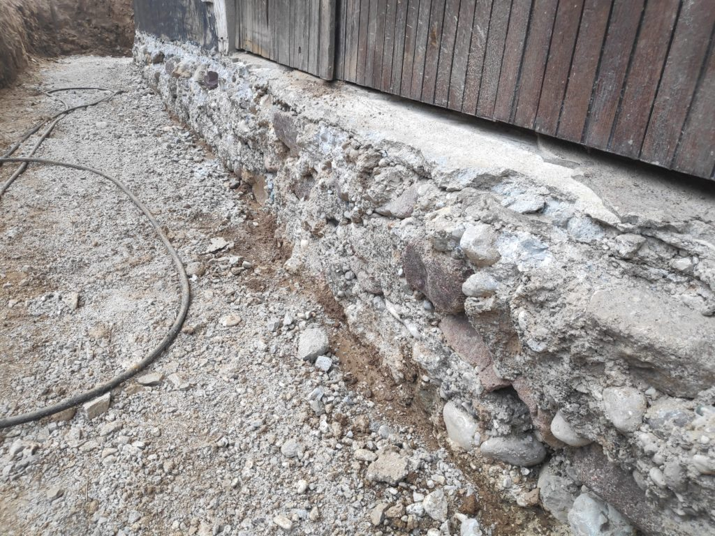 temelj starejše hiše sanacija obzidanje popravilo hiša brez temelja