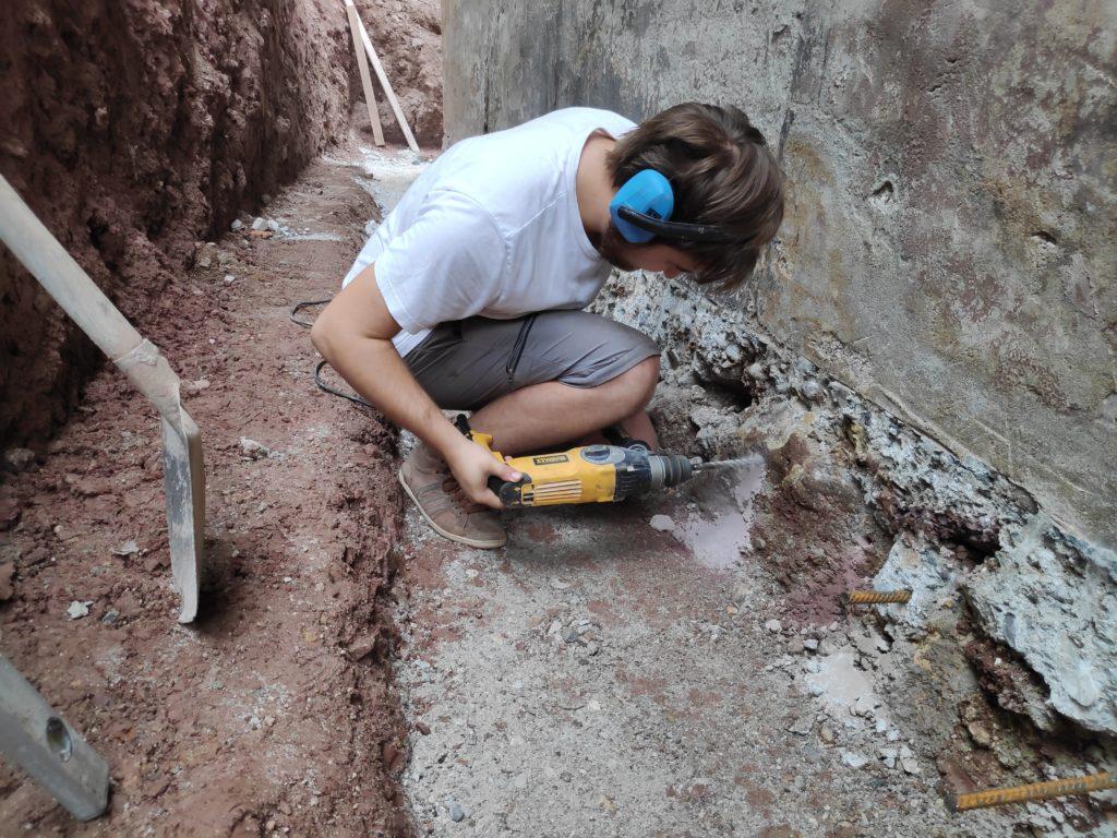 temelj sanacija obzidanje beton sika anchorfix sidrno lepilo armaturno železo hidroizolacija drenaža prenova hiše